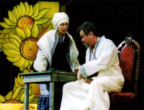 Спектакль «За двумя зайцами» в белгородском драмтеатре