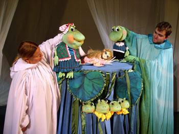 Детская афиша Белгорода: сказка «Дюймовочка» в Театре кукол