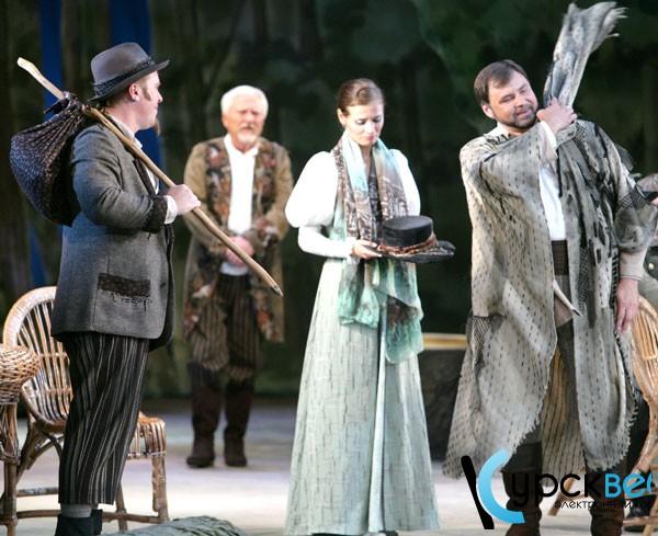 Театр в Белгороде: Виталий Стариков и Марина Русакова в спектакле «Лес»