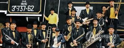 Овальный зал в Белгороде: Big band Владимира Уварова 29 апреля