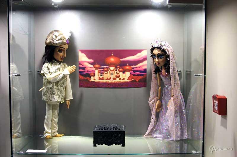 Мини-выставка «Куклы выходят на сцену» в Музее-заповеднике «Проховское поле»