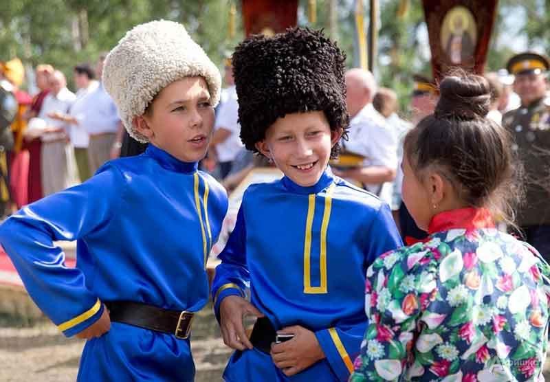 Онлайн-программа «Казачьи забавы»: Детская афиша Белгорода