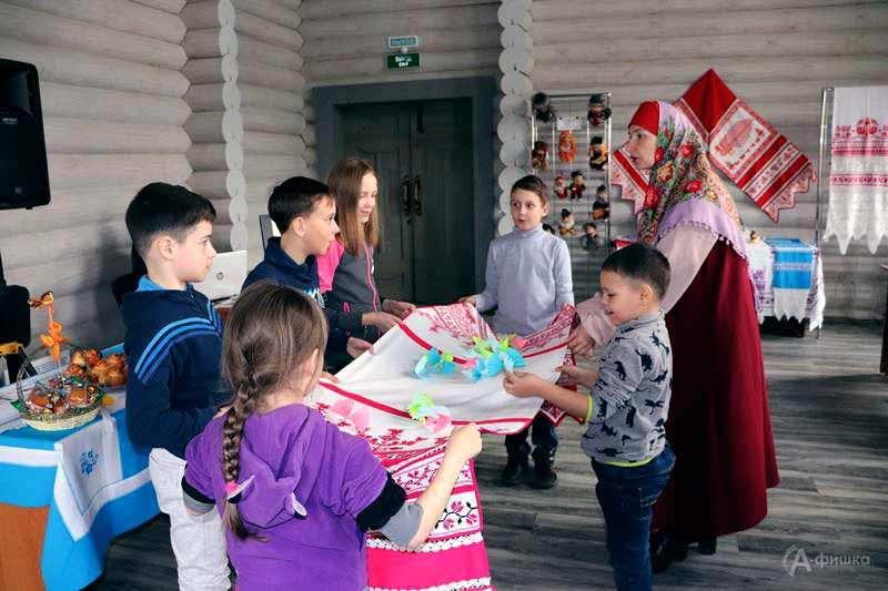 Игровая программа «Яблочные забавы в крепости»: Детская афиша Белгорода