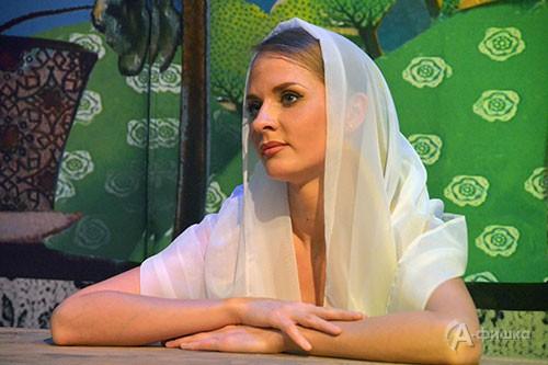 Нина Кранцевич в роли Кати (спектакль «Приговорённый к счастью» режиссёра Владимира Деля)