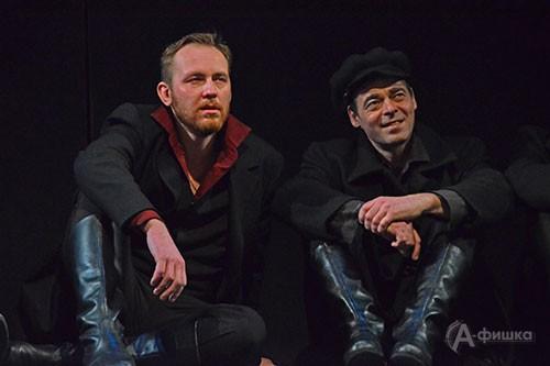Рогожин (Дмитрий Гарнов) и Лебедев (Дмитрий Евграфов): премьерный спектакль «Идиот» в БГАДТ им. Щепкина