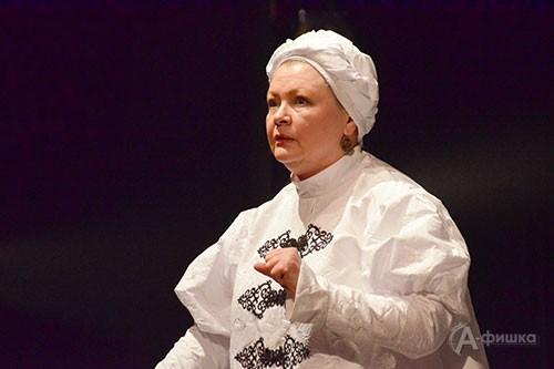 Народная артистка России Марина Русакова в роли Меропии Мурзавецкой