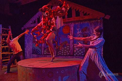 На «щепкинской» сцене премьера: режиссёр Владимир Дель поставил спектакль по прозе Прилепина «Приговорённый к счастью»