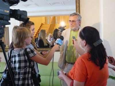 Творческий вечер Александра Михайлова в Белгороде: журналисты взяли в кольцо известного актёра