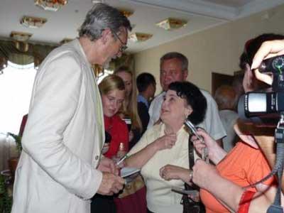 Творческий вечер Александра Михайлова в Белгороде: белгородцы в прямом смысле со слезами на глазах говорили артисту слова восхищения и благодарности