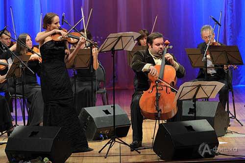 Анна Боровик (скрипка) и Борислав Струлёв