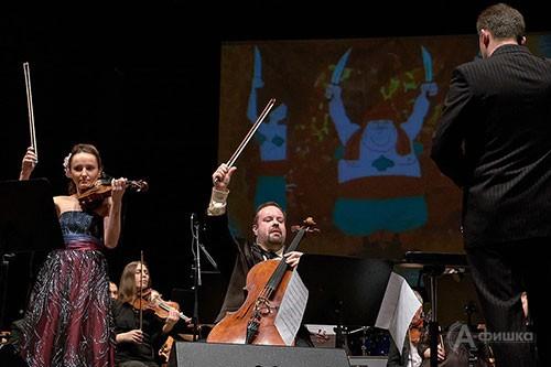 В роли Трубадура и Принцессы выступили Борислав Струлёв (виолончель) и Анна Боровик (скрипка)