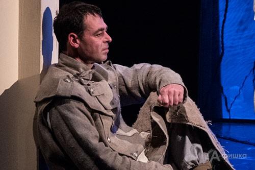 Дмитрий Евграфов (Вукашин Катунац) спектакле «Сыновья моих братьев».